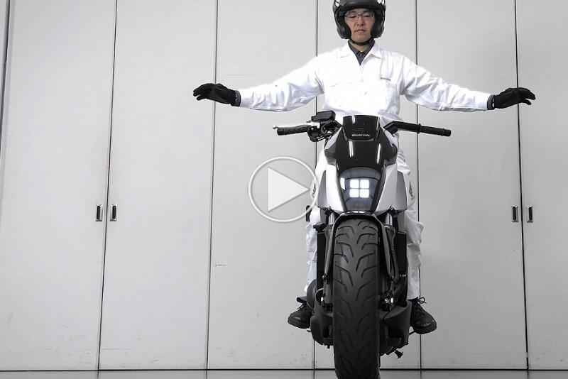 Hondas-nye-motorcykel-trodser-tyngdekraften_1