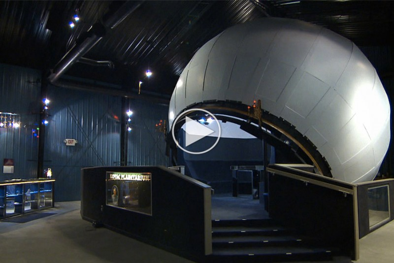 Stjernegal-fyr-bygger-sit-eget-planetarium_1