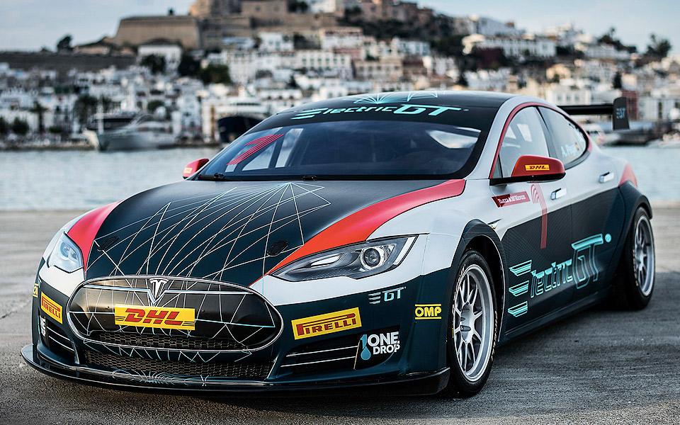 Tesla-Model-S-er-endnu-vildere-som-racerbil_8