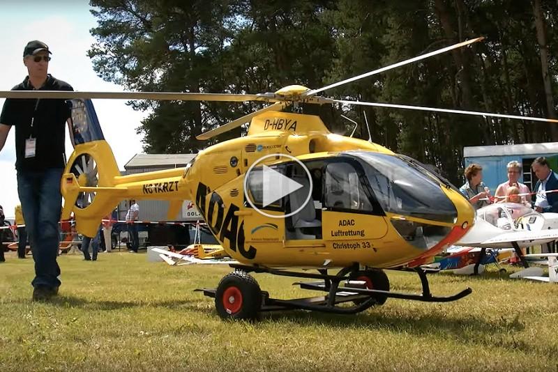 Verdens-storste-RC-helikopter-er-seriost-legetoj_1