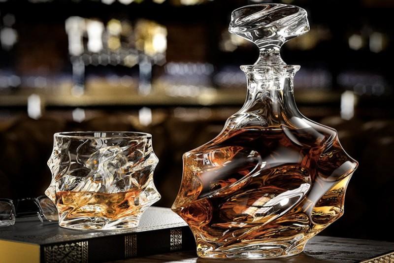 Everest-Whiskey-Decanter_4