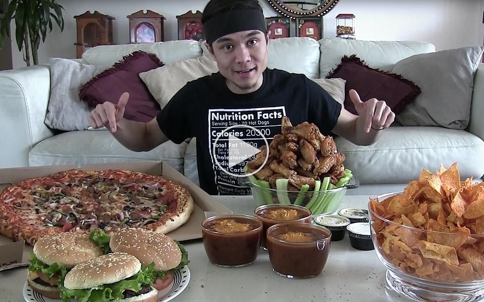 Matt-Stonie-spiser-20000-kalorier-pa-en-time_1