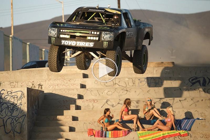 BJ-Baldwin-har-det-sjovt-pa-Cuba-i-en-Trophy-Truck-i-Recoil-4_1