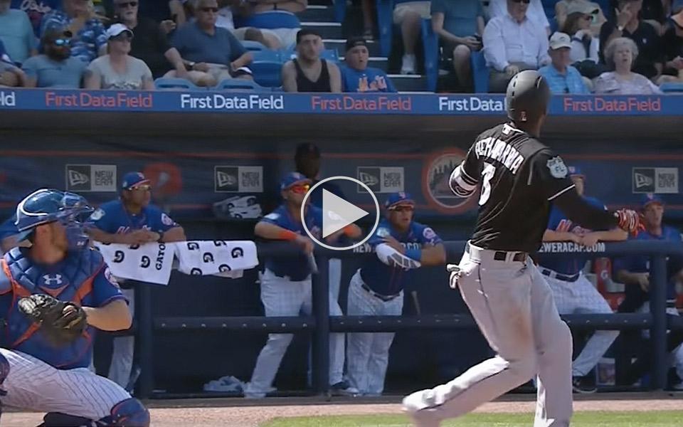 Baseballspiller-taber-battet,-men-verdens-koligste-fyr-redder-dagen_1
