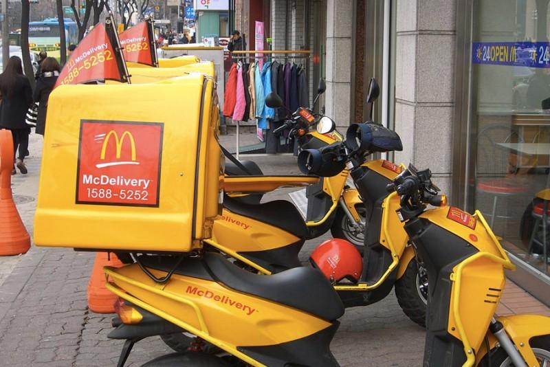 McDonalds-begynder-snart-at-levere-din-mad-til-doren_2