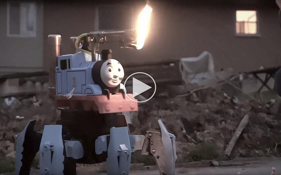 Thomas-Tog-med-flammekaster-og-6-ben-ligner-noget-fra-Mad-Max_1