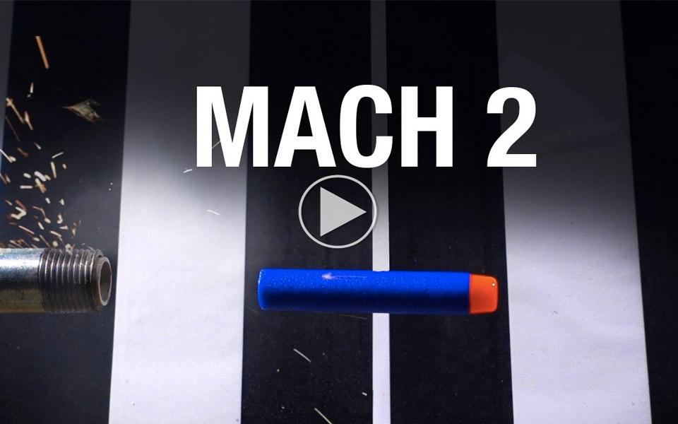 Ubehagelig-Nerf-kanon-skyder-pile-med-2-gange-lydens-hastighed_1