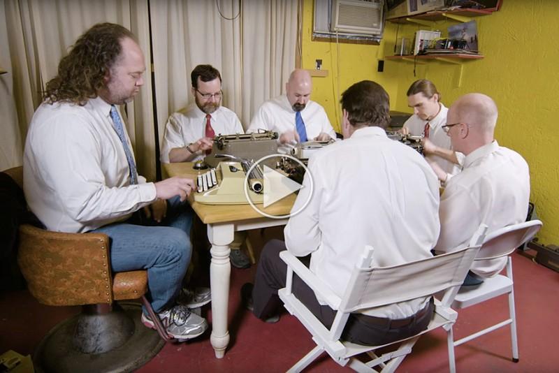 6-gutter-spiller-koncerter-pa-skrivemaskiner_1
