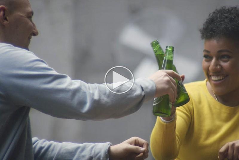 Heinekens-nye-TV-reklame-viser,-at-ol-loser-alle-konflikter_1