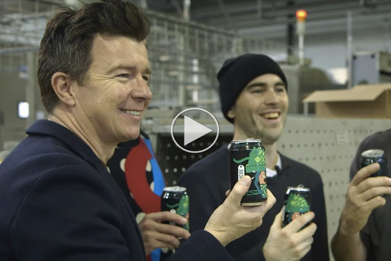 Rick-Astley-brygger-specialol-med-danske-Mikkeller_1