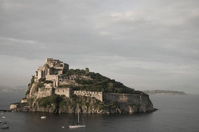 Italien-giver-dig-et-slot-helt-gratis,-hvis-du-vil-restaurere-det_2