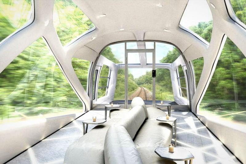 Japans-vilde-Shiki-Shima-luksus-tog-er-nu-pa-skinnerne_3