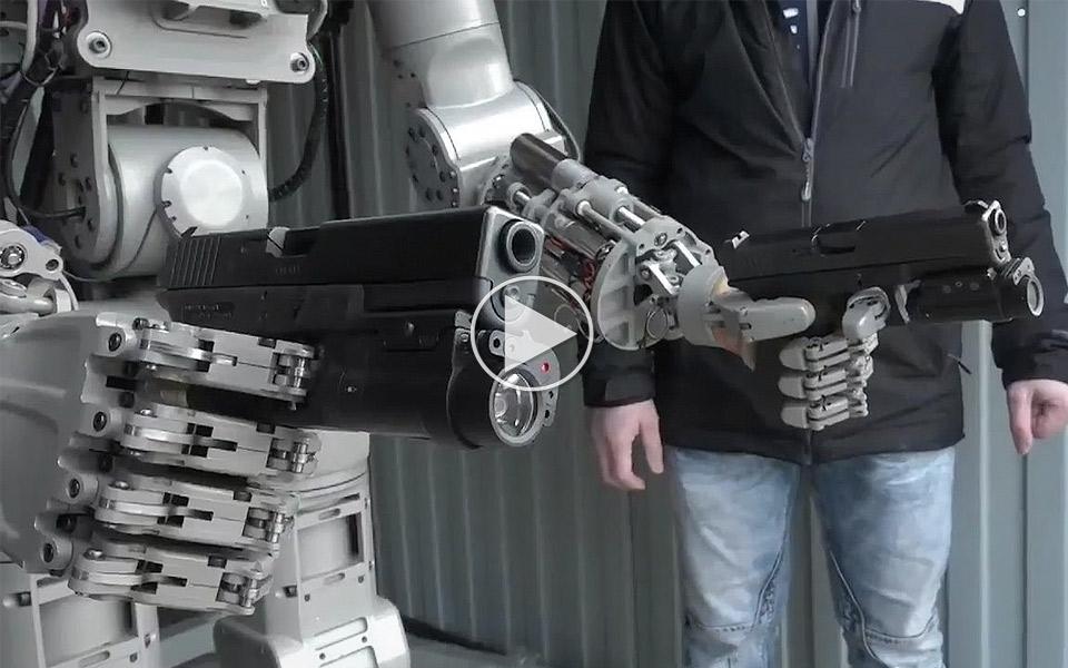 Ruslands-nye-FEDOR-robot-ligner-en-Terminator_1