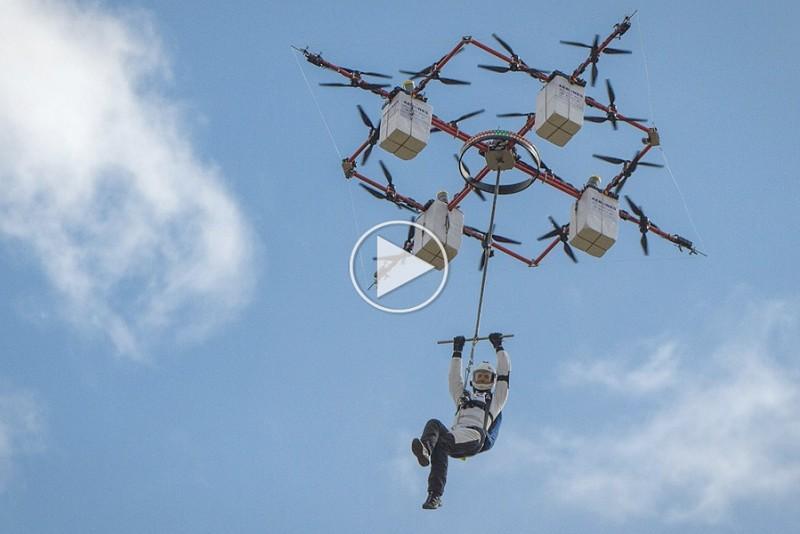 Verdens-forste-faldskarmsudspring-fra-en-drone_1