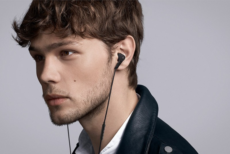BogO-PLAY-Beoplay-E4_4