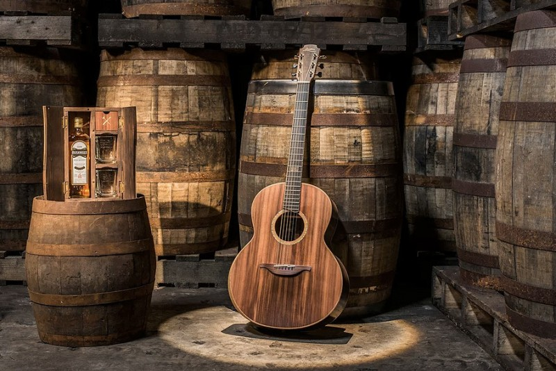 Bushmills-Irish-Whiskey-x-Lowden-Guitars_5