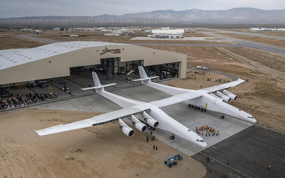 Stratolaunch-er-verdens-storste-fly_4