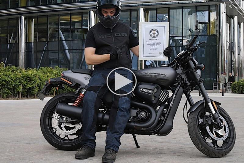 Verdens-langste-burnout-pa-motorcykel-er-ikke-for-tosedrenge_1
