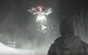 Se-en-drone-med-250.000-lumen-lygte-gore-nat-til-dag_1