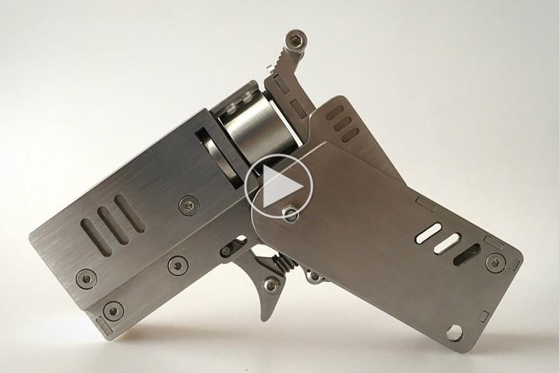 Foldbar revolver skyder med tændstikker
