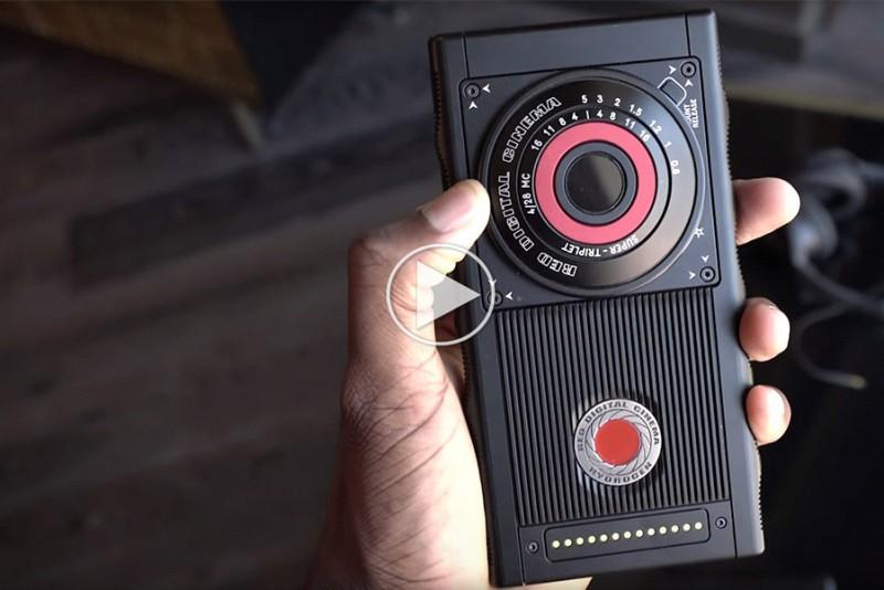 MKBHD har fået RED's vanvittige mobiltelefon i hænderne