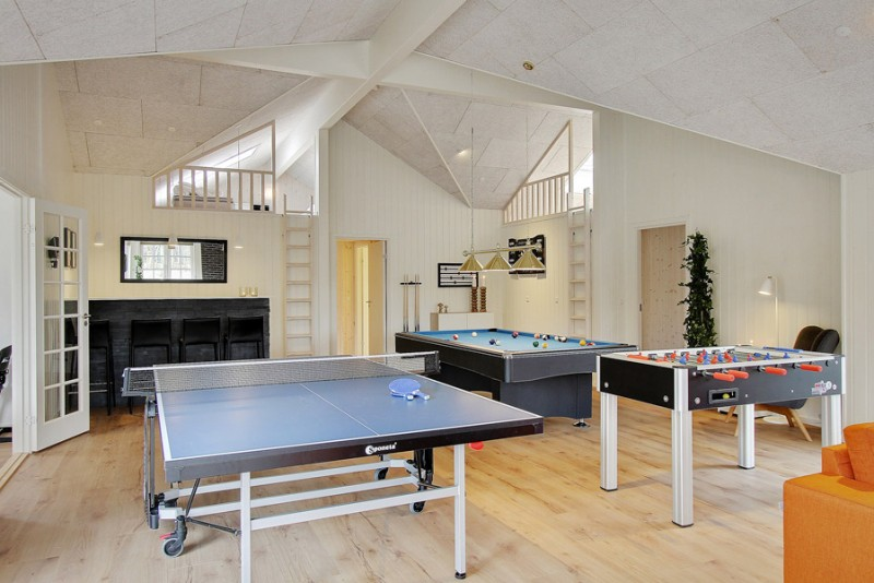 Nu kan du tage 23 venner med i luksus-sommerhus med eget badeland og lir