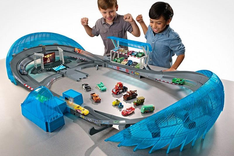 Disney/Pixar Cars 3 Ultimate Florida Speedway