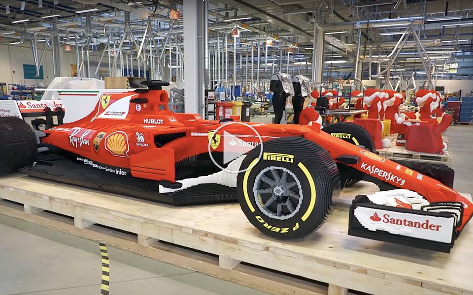 Se en Ferrari F1-racer i fuld størrelse af LEGO blive samlet