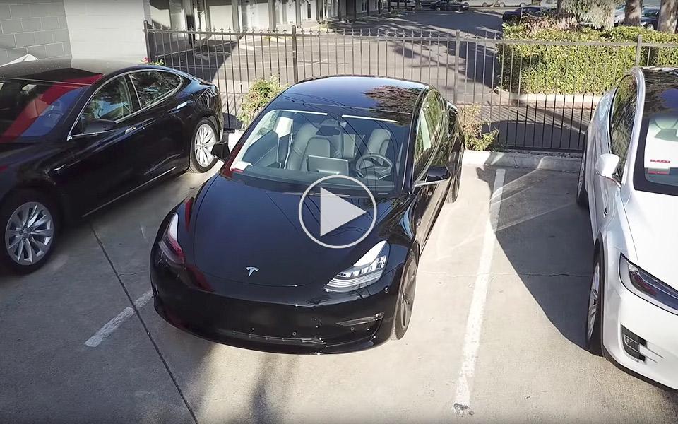 Tag et nærmere kig på Tesla Model 3
