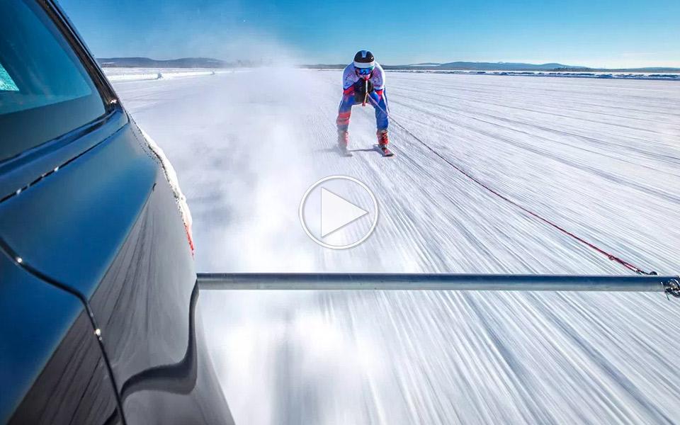 189 km/t på ski efter en Jaguar XF Sportbrake