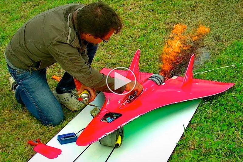 727 km/t RC-fly går efter verdensrekorden