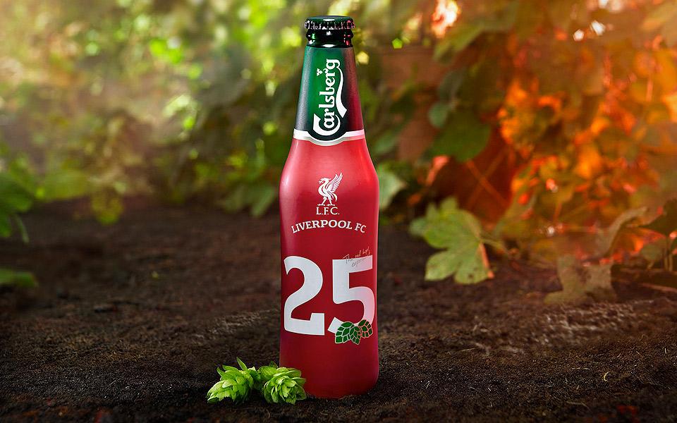 Carlsberg og Liverpool FC fejrer 25 års jubilæum med bindegal bajer