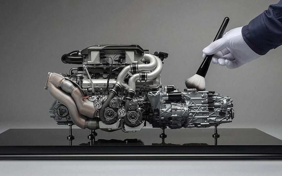Du kan købe en 100% nøjagtig Bugatti Chiron motor i størrelse 1:4