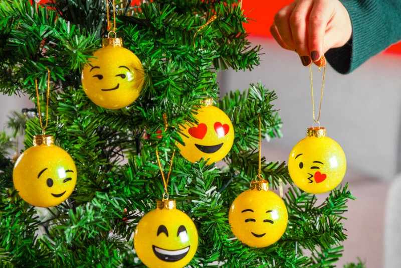 Emoji-juletræskugler