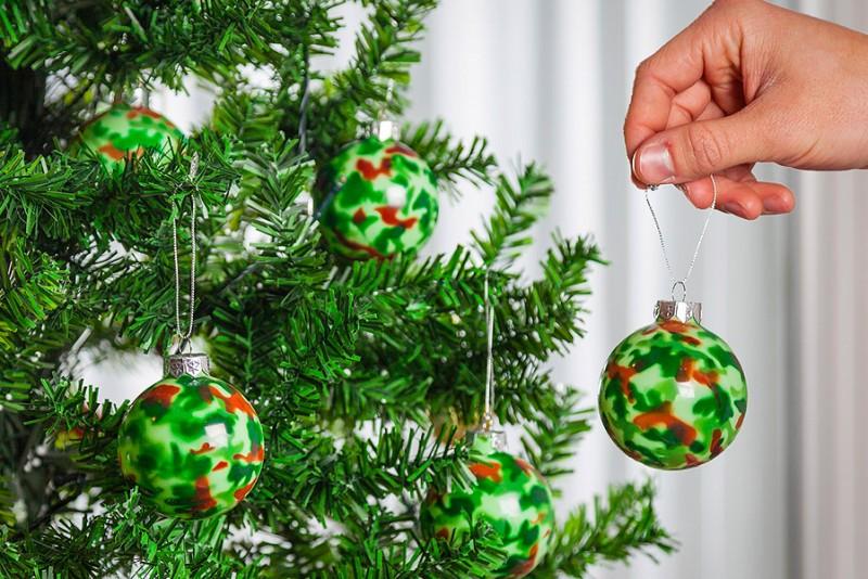 Spralla camouflage-juletræskugler
