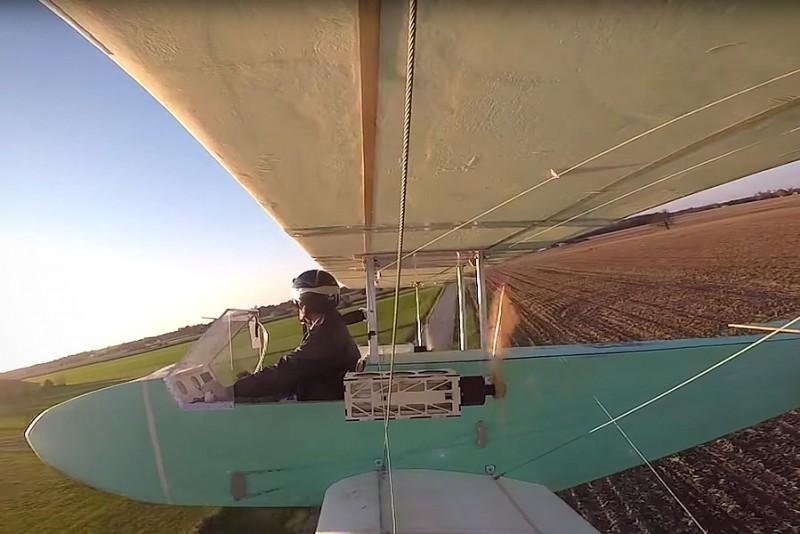 Fyr bygger og flyver sit eget elektriske fly