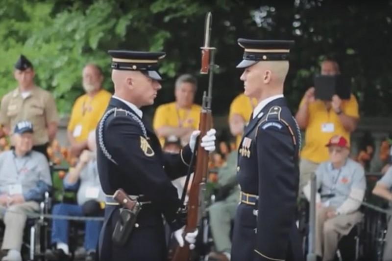 US Army våbeninspektion med lydeffekter
