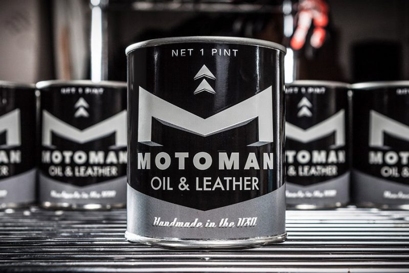 Motoman Oil & Leather candle