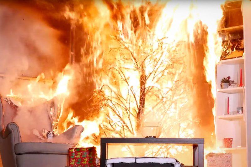 Så skræmmende hurtigt futter et brændende juletræ hele din stue af