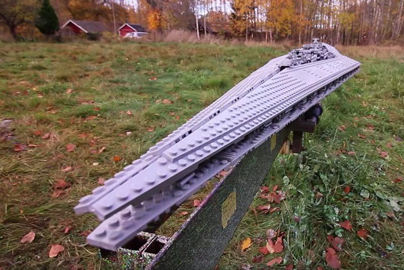 Se hvad der sker, når en LEGO Star Destroyer rammer en mur med over 100 km/t