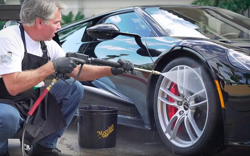Sådan vasker du en Ford GT
