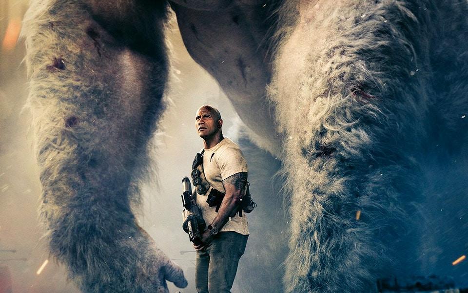 """The Rock og kæmpegorilla tæver en flyvende varulv i den nye trailer til """"Rampage"""""""