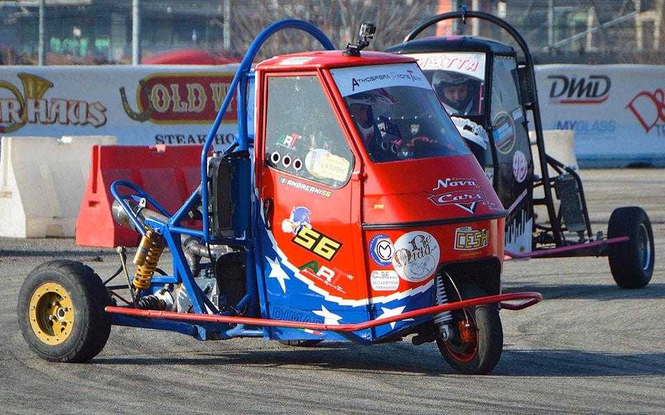Den her Piaggio Ape med en 600 kubik Honda motorcykelmotor er voldsom