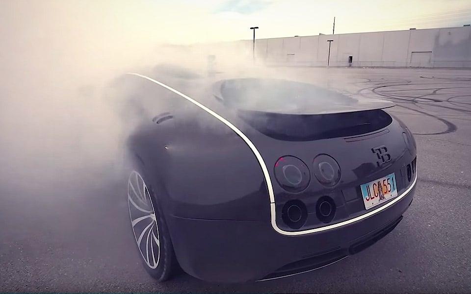 Se en Bugatti Veyron lave verdens dyreste burnout