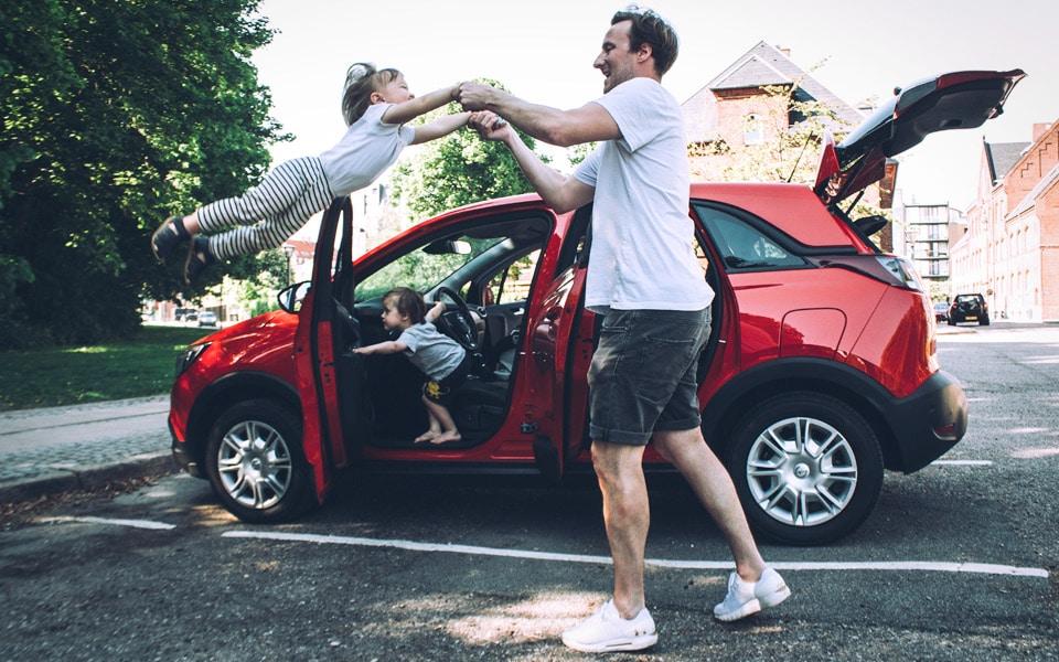Opel Crossland X er en stor familiebil med et lill prisskilt