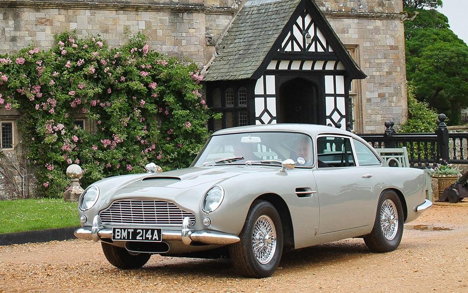 Pierce Brosnans Aston Martin DB5 fra GoldenEye kan nu blive din