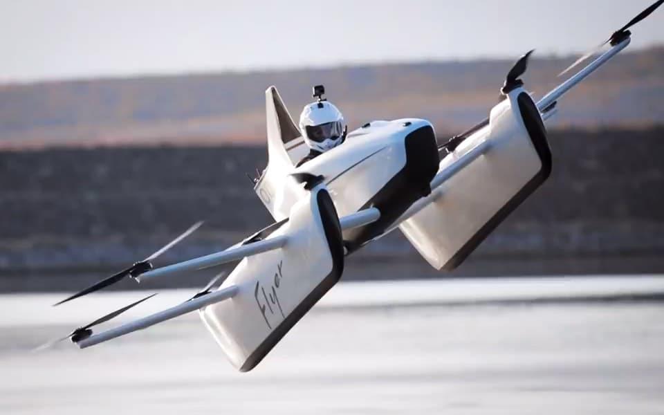 Casey Neistat tester Google-grundlæggerens flyvende bil