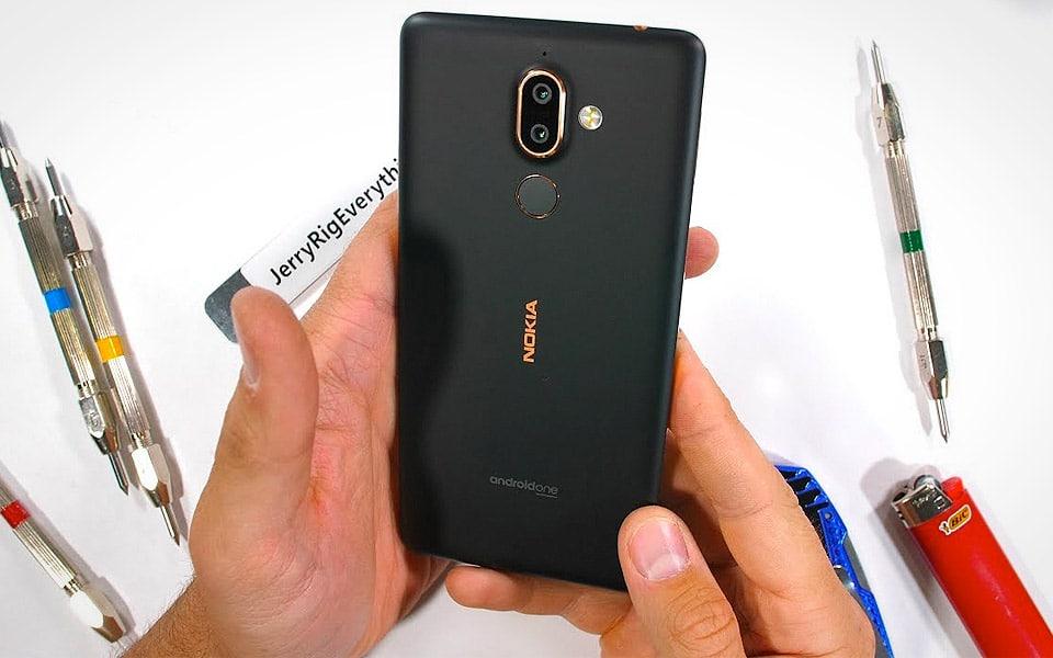 JerryRigEverything ekstrem-tester den nye Nokia 7 Plus