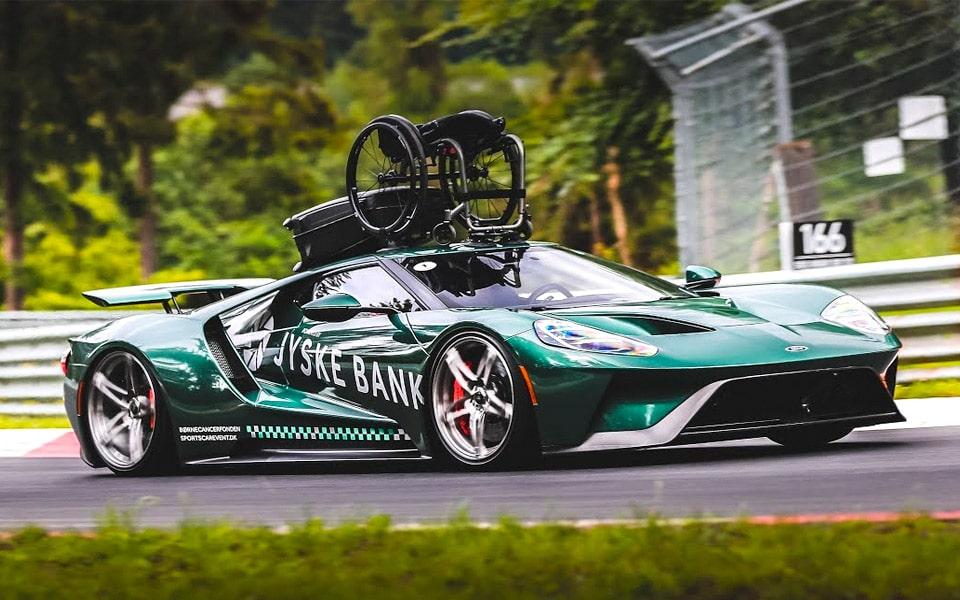 Se Jason Watts unikke Ford GT tage en tur på Nürburgring med kørestolen på toppen