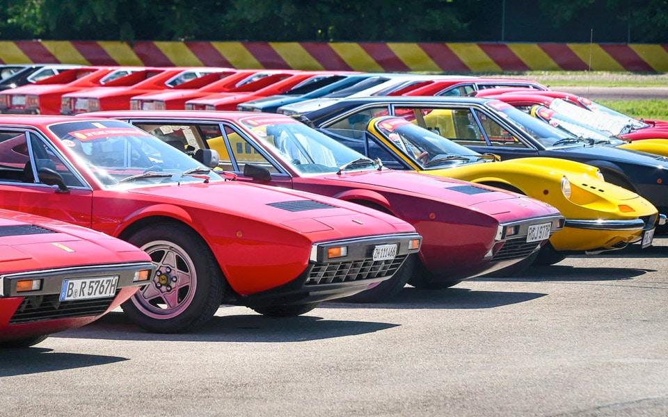 Over 150 Ferrarier samles i Maranello for at fejre Ferrari Dinos 50 års fødselsdag